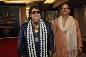 Bappi-lahiri-with-producer-Amrit-das-1-25